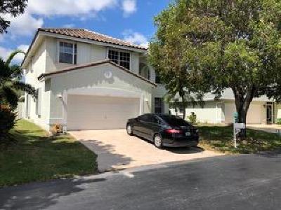 Boynton Beach Single Family Home For Sale: 1327 Fairfax Circle E