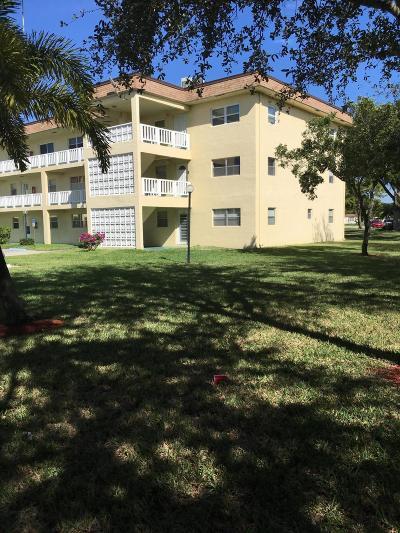 Deerfield Beach Condo For Sale: 606 SW Natura Boulevard #314