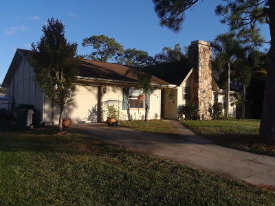Fort Pierce Single Family Home For Sale: 6104 Sunset Boulevard