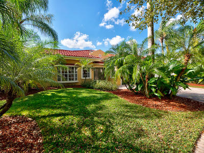 Jupiter Single Family Home Contingent: 18097 Lake Bend Drive