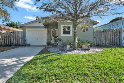 Jupiter Single Family Home For Sale: 141 E Riverside Drive #27