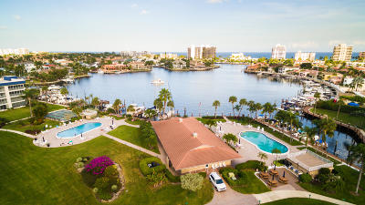 Palm Beach County Condo For Sale: 3421 NE Spanish Trail #126