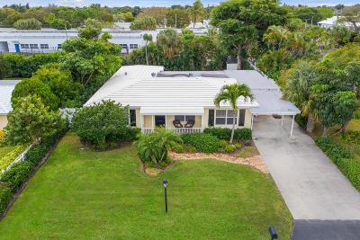 Delray Beach Single Family Home For Sale: 222 S Seacrest Circle