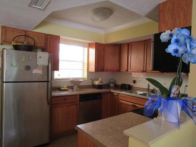 Single Family Home Sold: 301 S Hepburn Avenue