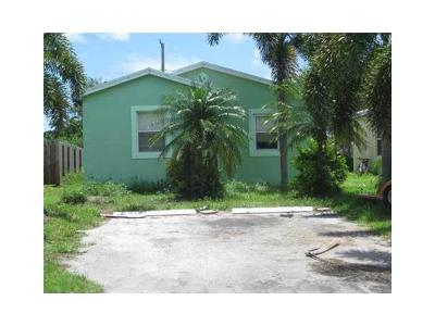 Lake Worth Single Family Home For Sale: 4194 Urquhart Street