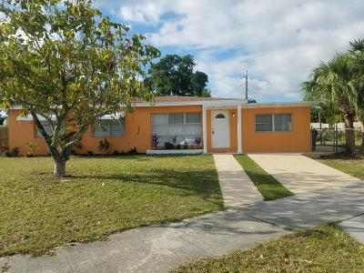 Lake Worth Single Family Home For Sale: 801 Wright Drive