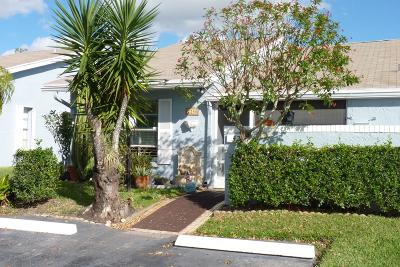 Lake Worth Single Family Home For Sale: 4250 Lucerne Villas Lane