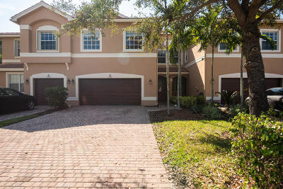 Royal Palm Beach Townhouse For Auction: 11492 Silk Carnation Way #B