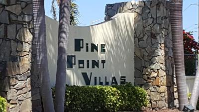 Boynton Beach Single Family Home Contingent: 100 Pine Point Drive #D