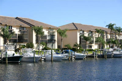 Delray Beach Townhouse For Sale: 210 Captains Walk #714