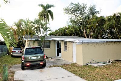 Greenacres Single Family Home For Sale: 129 Swain Boulevard