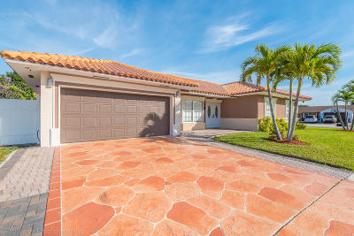 West Palm Beach Single Family Home For Sale: 2619 W Carandis Road