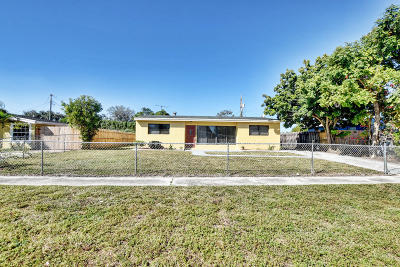 Lake Worth Single Family Home For Sale: 415 Pensacola Drive