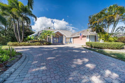 Tequesta Single Family Home Contingent: 18510 SE Lakeside Drive