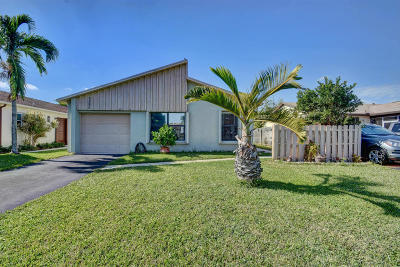 Boynton Beach Single Family Home For Sale: 5590 Mirror Lakes Boulevard