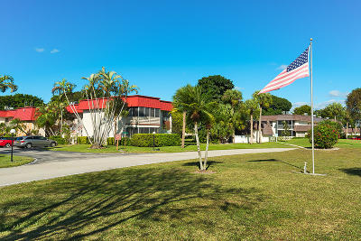Royal Palm Beach Condo For Sale: 12027 Greenway Circle S #206