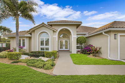 Boca Raton Single Family Home For Sale: 20376 Hacienda Court