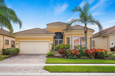 Delray Beach Single Family Home For Sale: 15338 Fiorenza Circle