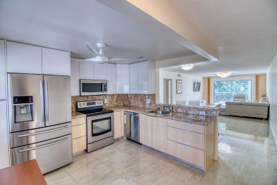 Coconut Creek Condo For Sale: 2301 Lucaya Lane #M-3
