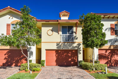 Delray Beach Townhouse For Sale: 4719 Prive Circle
