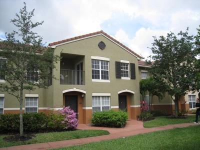 Royal Palm Beach Condo For Sale: 10354 Fox Trail Road S #1501