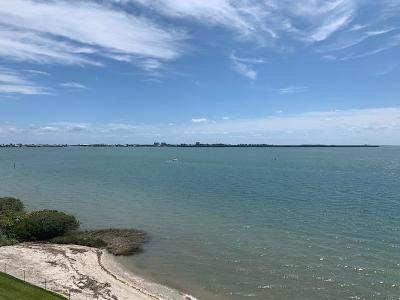 Fort Pierce Condo For Sale: 30 Harbour Isle Drive W #Ph3