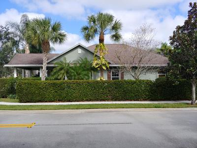 Jupiter Single Family Home For Sale: 243 Caravelle Drive