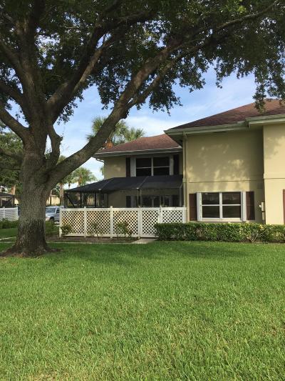 Royal Palm Beach Townhouse For Sale: 26 Clinton Court #A