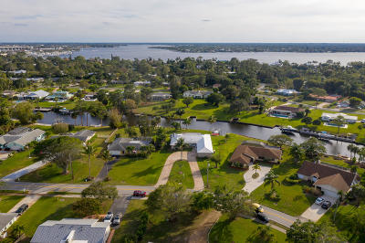 Martin County Single Family Home For Sale: 1154 NW Spruce Ridge Drive