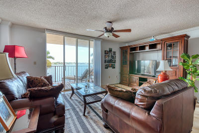 West Palm Beach Condo For Sale: 1801 Flagler Drive #440