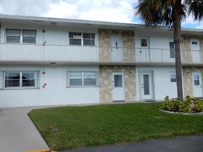 Pompano Beach Condo For Sale: 301 S Golf Boulevard #272
