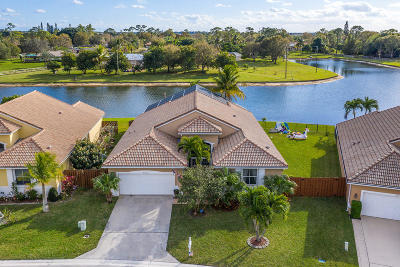Boynton Beach Single Family Home For Sale: 9228 Cove Point Circle