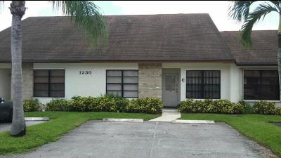 West Palm Beach Townhouse For Sale: 1230 Parkside Green #C