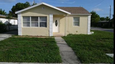 West Palm Beach Single Family Home For Sale: 700 W 5th Street