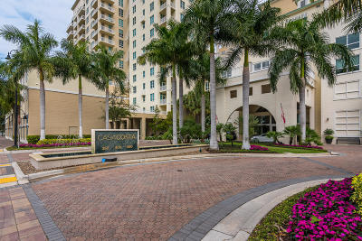 Boynton Beach Condo For Sale: 400 Federal Highway #S213