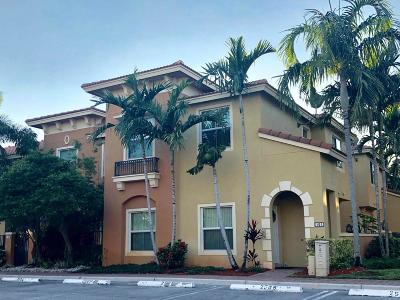 Boynton Beach Townhouse For Sale: 101 Monterey Bay Drive