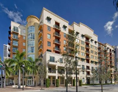 West Palm Beach Condo For Sale: 600 S Dixie Highway #821