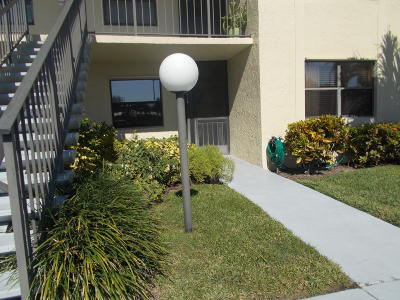 Lake Worth Condo For Sale: 7819 Willow Spring Drive #412