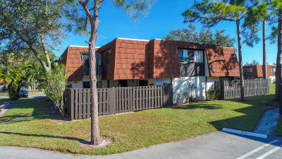 Greenacres Townhouse For Sale: 2101 White Pine Circle #D