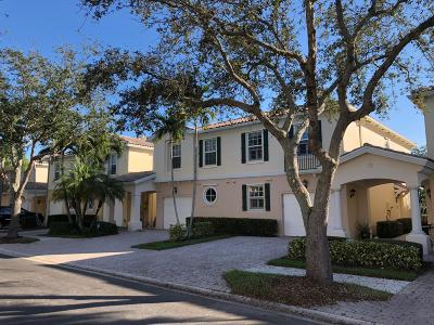 Palm Beach Gardens Townhouse For Sale: 448 Capistrano Drive