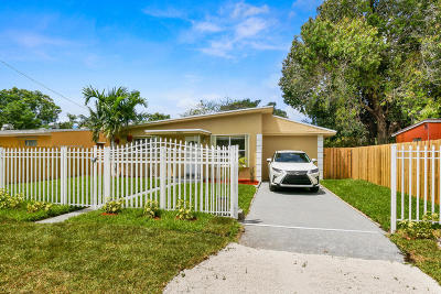 Fort Lauderdale Single Family Home For Sale: 1305 Chateau Park Drive
