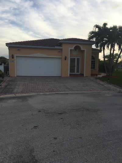 Deerfield Beach Single Family Home For Sale: 1402 SW 45 Way