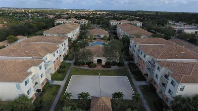 West Palm Beach Condo For Sale: 9873 Baywinds Drive #5211