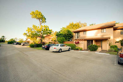 Lake Worth Condo For Sale: 5296 Fountains Dr. S Drive S #105