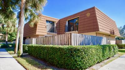 West Palm Beach Townhouse For Sale: 161 Heritage Way