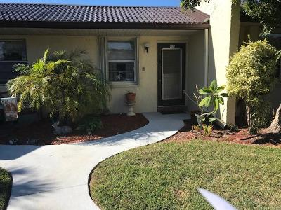 West Palm Beach Single Family Home For Sale: 207 Lake Meryl Drive