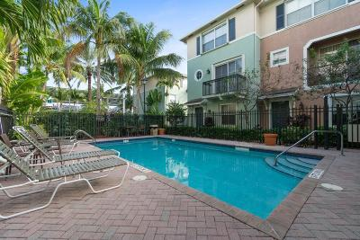 Delray Beach Townhouse For Sale: 302 NW 1st Street