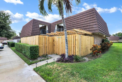 Palm Beach Gardens Townhouse For Sale: 1803 18th Lane