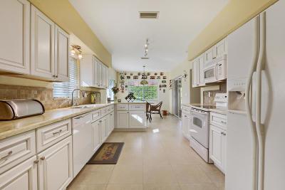 Boynton Beach Single Family Home For Sale: 10260 Green Trail Drive