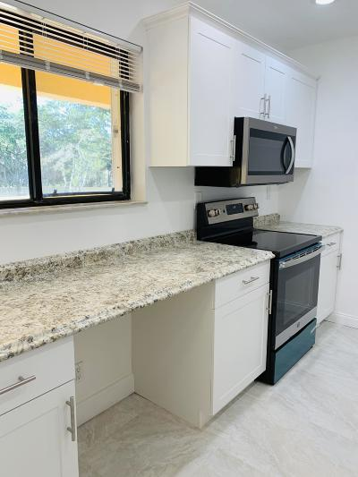 Boca Raton FL Rental For Rent: $1,550